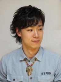 ミディアムウルフパーマスタイル Accessories by LarrySmith  ネックレスについては www.larrysmith.jp にてご覧ください